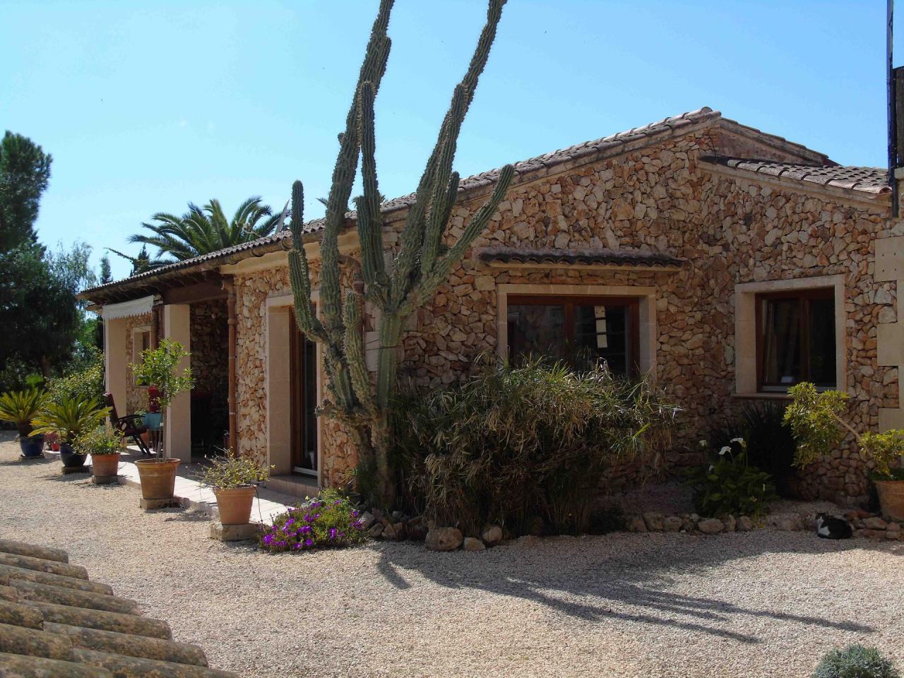 Espectacular casa rural con terreno cerca de campos vivat mallorca estate - Terenes casa rural ...